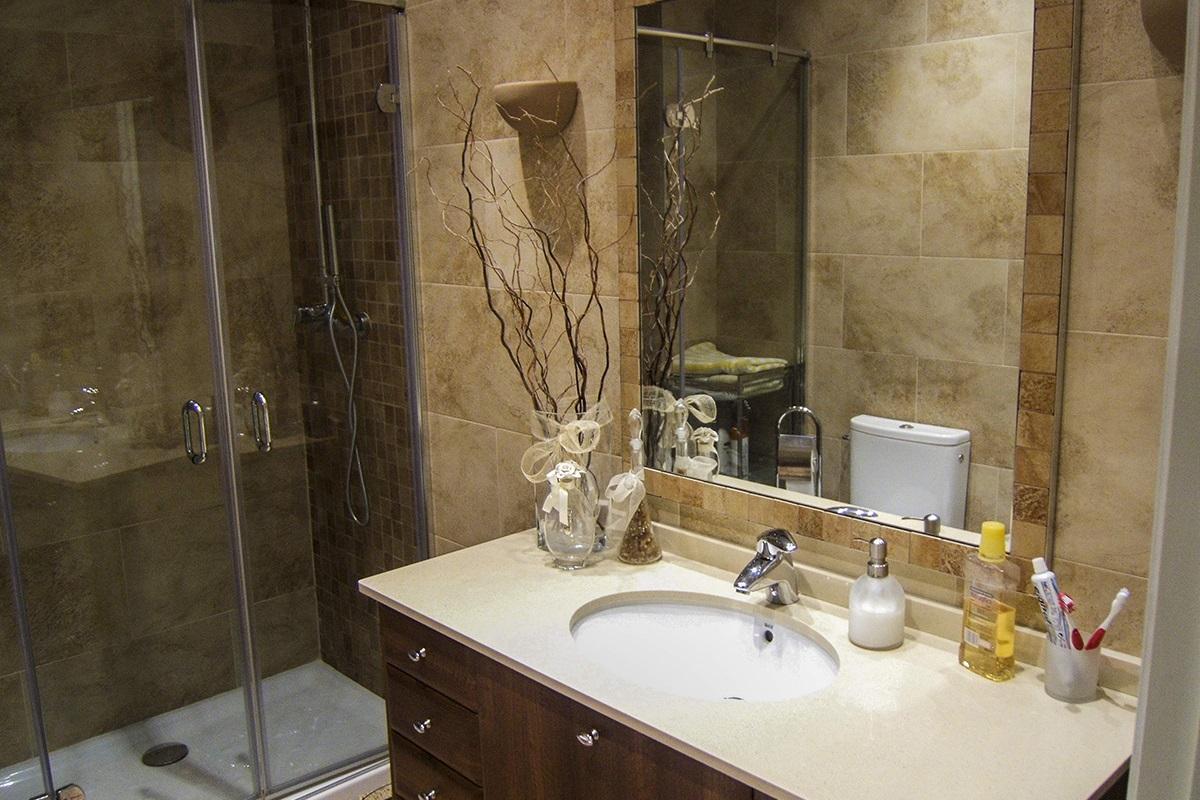 Reforma de cuarto de baño - Reformas en Valladolid | Servicios de ...